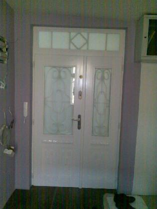 Vchodové dveře ze smrku