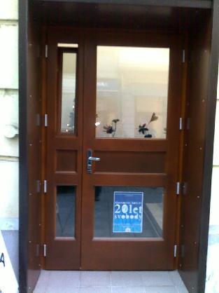 Vchodové dveře z eurohranolu